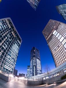 東京都 汐留の高層ビル街の写真素材 [FYI02660255]