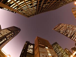 東京都 汐留の高層ビル街の写真素材 [FYI02660326]