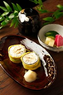 煮穴子の茶巾飯の写真素材 [FYI02660441]