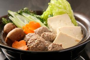 エゾ鹿肉つみれ鍋の写真素材 [FYI02660536]