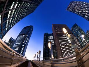 東京都 汐留の高層ビル街の写真素材 [FYI02660558]