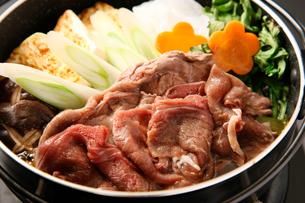 エゾ鹿肉すきやきの写真素材 [FYI02660665]
