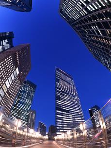 東京都 汐留の高層ビル街の写真素材 [FYI02660806]