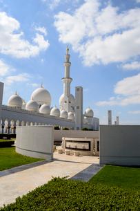 シェイクザイードグランドモスクの建物の写真素材 [FYI02661065]