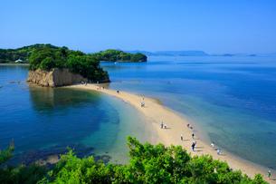 小豆島のエンジェルロードの写真素材 [FYI02661170]