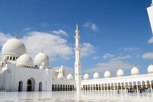 シェイクザイードグランドモスクの建物の写真素材 [FYI02661201]