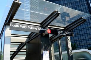 サウスフェリーサブウェーステーションの地下鉄駅入口の写真素材 [FYI02661255]