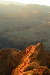 グランドキャニオン国立公園のモハーベポイントから夕日の展望の写真素材 [FYI02661396]