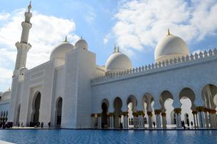 シェイクザイードグランドモスクの建物の写真素材 [FYI02661404]
