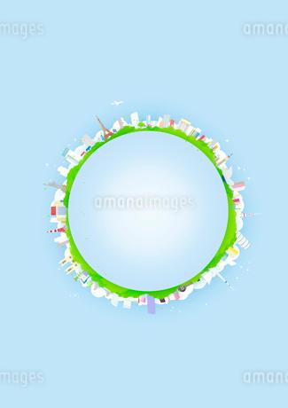 背景が水色の地球に見立てた円の周りに並べた建物と緑のイラスト素材 [FYI02661425]