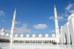 シェイクザイードグランドモスクの建物の写真素材 [FYI02661868]