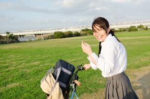 笑顔の女子学生の写真素材 [FYI02661884]