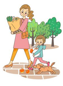買い物帰りの親子のイラスト素材 [FYI02661992]