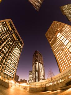 東京都 汐留の高層ビル街の写真素材 [FYI02662365]