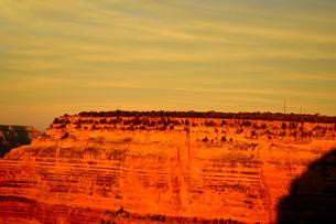 グランドキャニオン国立公園のモハーベポイントから夕日の展望の写真素材 [FYI02662378]