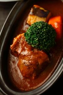 牛肉のソース煮 アップの写真素材 [FYI02662601]
