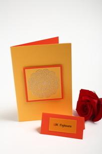 花とペーパーアイテムの写真素材 [FYI02662628]