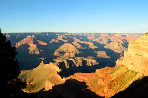 グランドキャニオン国立公園のモハーベポイントから夕日の展望の写真素材 [FYI02662985]