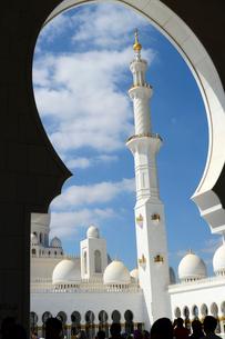 シェイクザイードグランドモスクの建物の塔の写真素材 [FYI02663152]