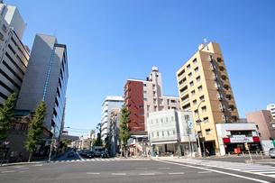 泉岳寺駅前 第一京浜の写真素材 [FYI02663568]