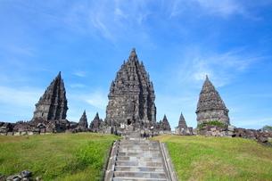 インドネシア ジャワ島 プランバナン寺院史跡公園の写真素材 [FYI02663572]