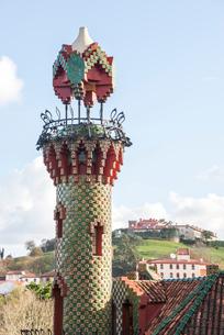 エル・カプリチョの塔の写真素材 [FYI02664292]