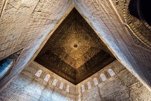 コマレス宮大使の間の天井を見上げるの写真素材 [FYI02664389]