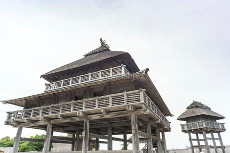 吉野ケ里遺跡北内郭の主祭殿と物見櫓の写真素材 [FYI02664405 ...