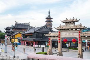 無錫の南禅寺門前風景の写真素材 [FYI02664675]