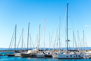 オルティージャ島マリーナ風景の写真素材 [FYI02664783]