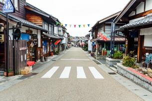 岩村本通り西町商店街の写真素材 [FYI02664788]