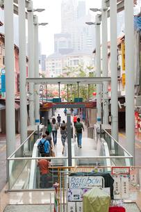 MRTチャイナタウン駅 地上出口の写真素材 [FYI02665089]