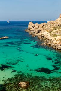 アンカーベイと地中海の写真素材 [FYI02665147]
