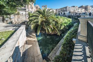 オルティージャ島アレトゥーザの泉の写真素材 [FYI02665217]