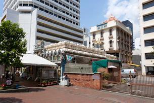 シンガポール スリ・クリシュナン寺院のコープラム(塔)の写真素材 [FYI02665857]