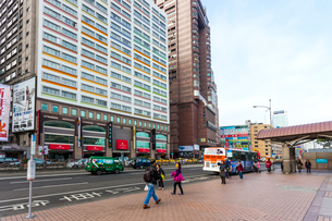 台湾 首都 台北駅前大通りの写真素材 [FYI02666213]