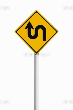 道路標識 つづら折りありの写真素材 [FYI02666479]