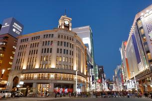 東京都中央区銀座4丁目交差点の写真素材 [FYI02666517]