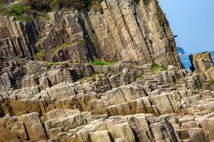 福井,鉾島の柱状節理と階段の写真素材 [FYI02666596]