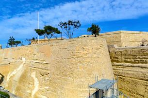 マルタ共和国、ヴァレッタの城壁の写真素材 [FYI02666821]