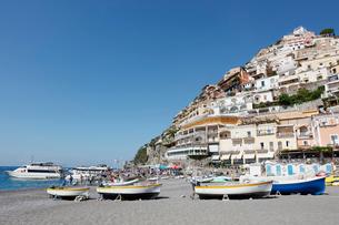 アマルフィ海岸の町ポジターノ イタリアの写真素材 [FYI02666934]