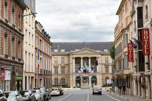 ルーアン市役所前、Hotel de ville de Rouenの写真素材 [FYI02667004]