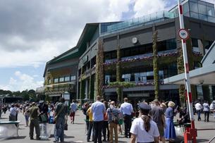 ウィンブルドン、テニス競技場入り口の写真素材 [FYI02667024]