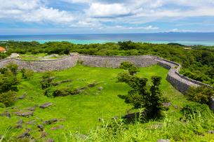 今帰仁城から望む東シナ海の写真素材 [FYI02667101]