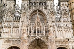 ルーエン、ノートル・ダム大聖堂の彫刻の写真素材 [FYI02667153]