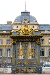 パレ・ド・ジュスティス、金箔の門の写真素材 [FYI02667222]