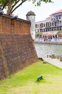 マラッカ川と砲台跡の写真素材 [FYI02667303]