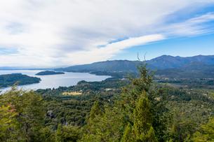 バリローチェのナウエル・ウアピ湖の写真素材 [FYI02667355]
