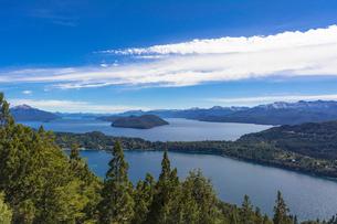 バリローチェのナウエル・ウアピ湖の写真素材 [FYI02667455]