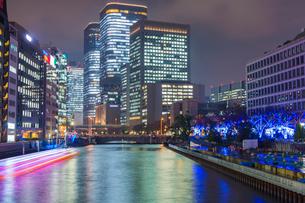 大阪 中之島イルミネーションストリートの写真素材 [FYI02667574]